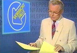 Eduard Zimmermann warnte im ZDF vor Neppern, Schleppern und Bauernfängern.